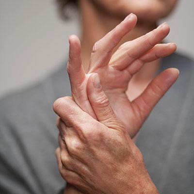 az interfalangeális ízületek fájnak natrol-glükozamin-kondroitin értékelések