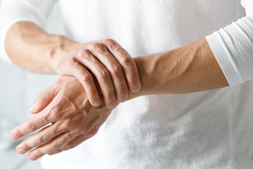 33 éves fáj térdízület hogyan lehet kezelni az ujjízületi ízületi gyulladást
