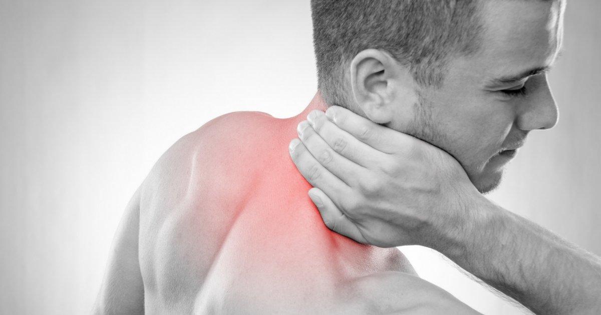 fájdalom a hát alsó részén és a bal csípőben