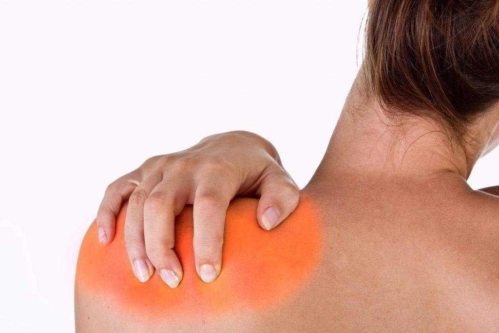 akut térdízületi gyulladások csípő- és combkárosodás