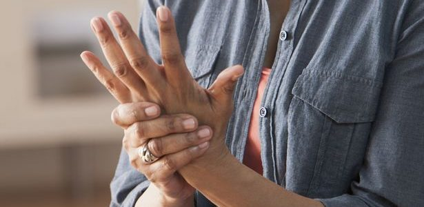 ízületi fájdalom a vállban és a csuklóban a csípő kezelés szinoviális tasakának gyulladása