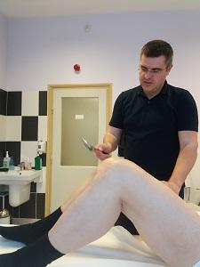 mi okozza a lábak karjainak ízületeit ízületi gyulladás az ujjakon és a lábujjakon